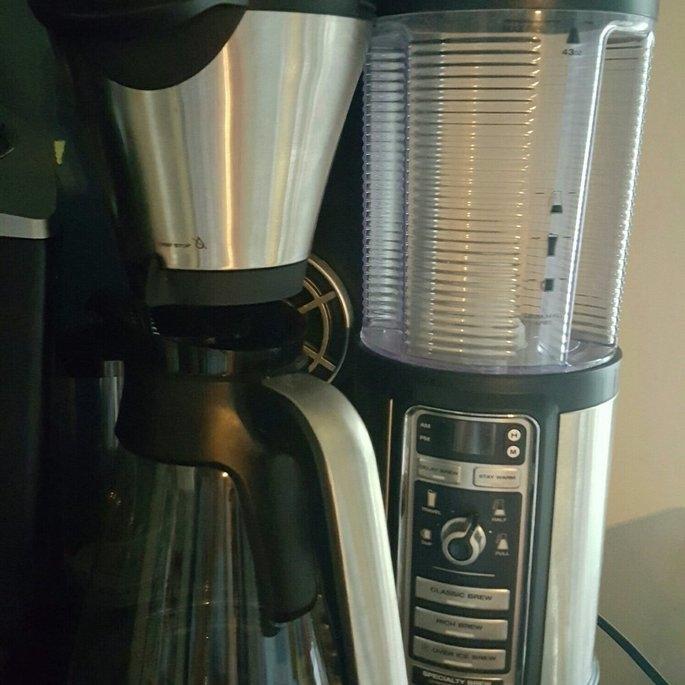 Starbucks Coffee Pike Place Medium Roast Coffee Beans uploaded by Crystal Q.