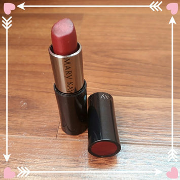 Photo of Mary Kay Signature Creme Lipstick ~ Apple Berry uploaded by Letícia R.