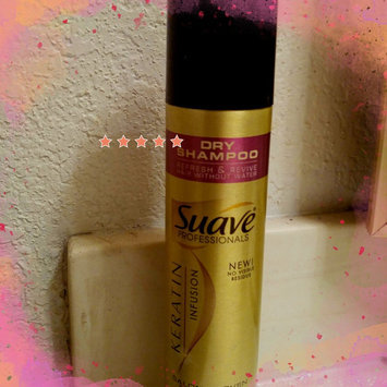 Photo of Suave Professionals® Keratin Infusion Dry Shampoo uploaded by Shannon O.