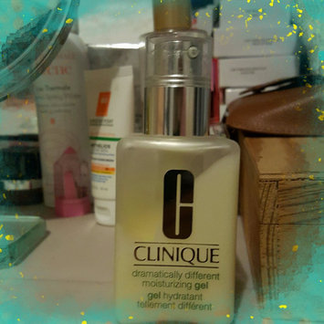 Clinique Dramatically Different™ Moisturizing Gel uploaded by Adalgisa c.