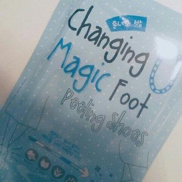 Photo of [Tonymoly] Changing U Magic Foot Peeling Shoes 1pair uploaded by Chelsea E.