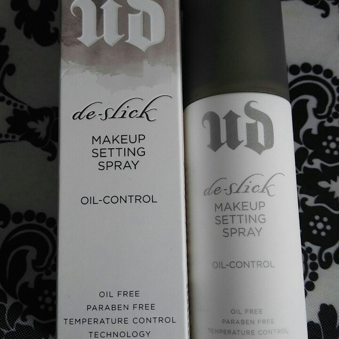 Urban Decay De-Slick Makeup Setting Spray uploaded by Chiquitha H.