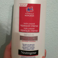 Neutrogena® Norwegian Formula® Moisture Wrap Daily Repair Body Lotion uploaded by Gabriela P.