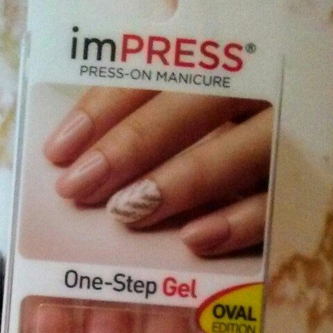 Impress Gel Manicure Oval Edition - Shocking uploaded by Elizabeth M.