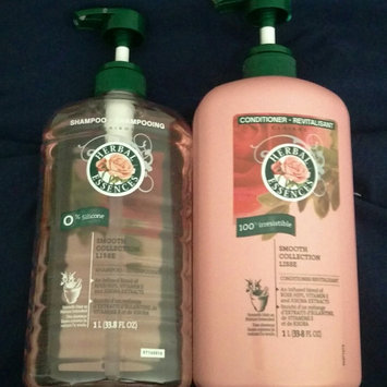 Herbal Essences Smooth Collection Shampoo uploaded by Lisa R.