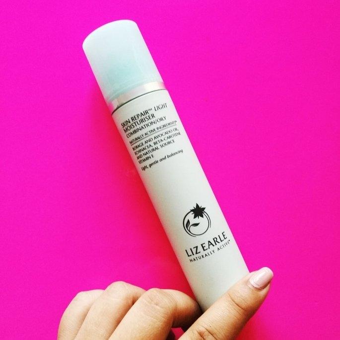 Liz Earle Skin Repair Moisturiser™ Light - Combination/Oily, 50ml uploaded by Joanarc S.