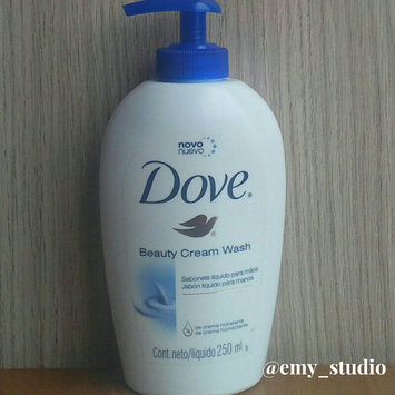 Photo of Dove Beauty Cream Wash uploaded by LEAR31505 Emily B.