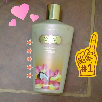 Photo of Victoria's Secret Seductive Amber Hydrating Body Lotion uploaded by María R.