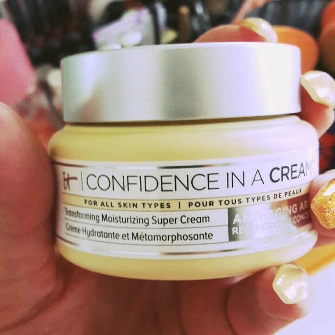 It Cosmetics Confidence in a Cream Transforming Moisturizing Super Cream uploaded by Yadira R.