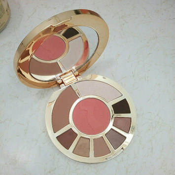 Photo of tarte Showstopper Clay Palette uploaded by JayDizzy D.