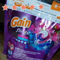 Gain Flings! Scent Duets Laundry Detergent Pacs Wildflower/Waterfall uploaded by keren a.