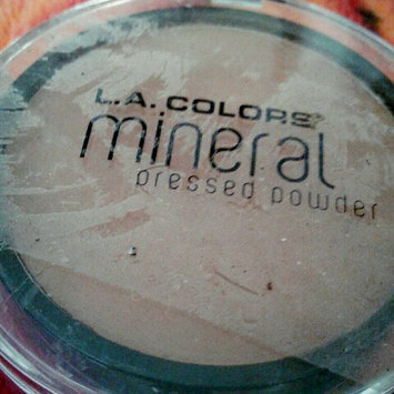 Photo of L.A. Colors Mineral Pressed Powder uploaded by Amayrani L.