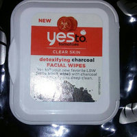 Yes to Tomatoes Clear Skin Detoxifying Charcoal Facial Wipes uploaded by Tammy M.