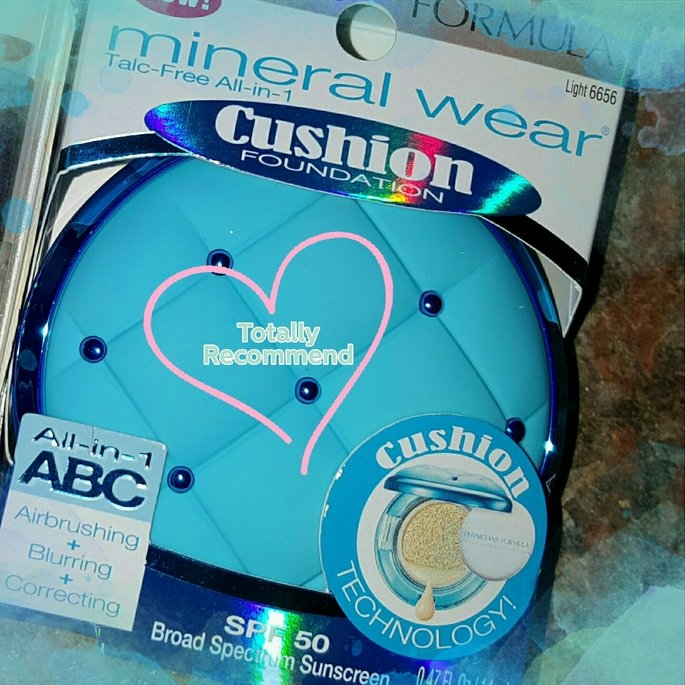 Physicians Formula® Mineral Wear® Talc-Free All-in-1 Cushion Foundation Light 6656 0.47 fl. oz. Box uploaded by Malanie M.