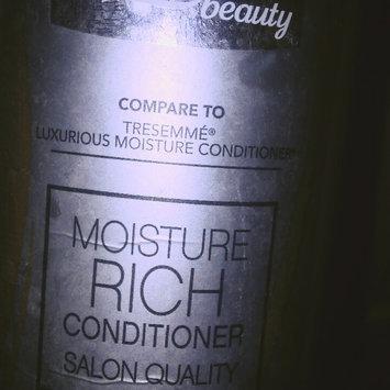 Photo of Equate Beauty Keratin Smooth Shampoo, 25 fl oz uploaded by Liz H.