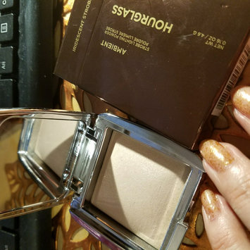 Photo of Hourglass Ambient® Strobe Lighting Powder uploaded by Zoia I.