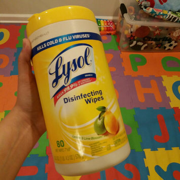 Photo of Lysol Disinfecting Wipes - Lemon uploaded by Carolina D.