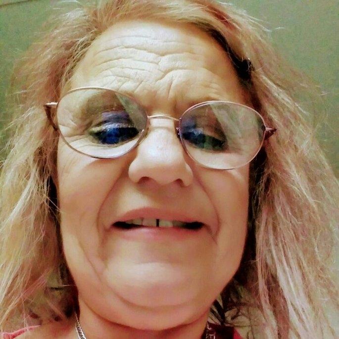 tarte Make Believe In Yourself: Spellbound Sprinkle Face & Body Glitter uploaded by Cheri R.