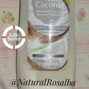 Photo of Suave Essentials Tropical Coconut Conditioner 30 oz uploaded by Rosalba M.