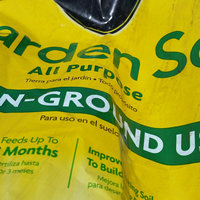 Miracle Gro 8 Pound All Purpose Plant Food 110570 by Scotts uploaded by Ramonita R.