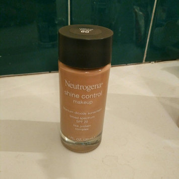 Photo of Neutrogena® Shine Control Liquid Makeup SPF 20 uploaded by Carmin P.