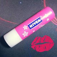 NIVEA Lip care Lovely Lips Natural Dull Free Formula & Lip moisturizing effect uploaded by Andreina M.