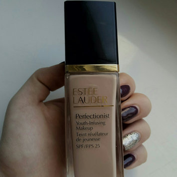 Photo of Estée Lauder Perfectionist Youth-Infusing Serum Makeup SPF 25 uploaded by Inna S.