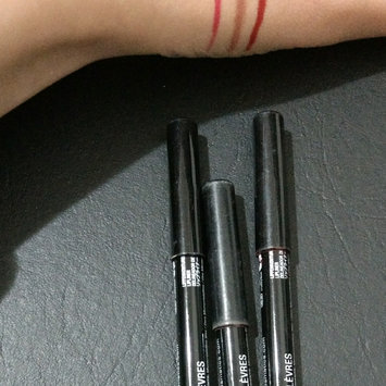 NYX Cosmetics Long Lasting Lip Liner set of 6 - Natural Nude Pink mix colors uploaded by Bruna F.