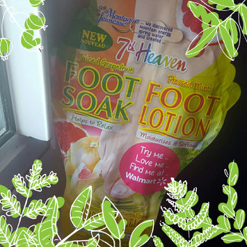 7th Heaven Juiced Grapefruit Foot Soak & Pressed Mint Foot Lotion uploaded by aslin j.