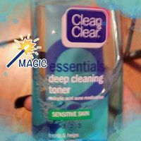 Clean & Clear ESSENTIALS Deep Cleaning Toner For Sensitive Skin uploaded by Bev M.