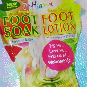 7th Heaven Juiced Grapefruit Foot Soak & Pressed Mint Foot Lotion uploaded by Kayla U.