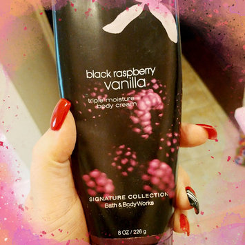 Photo of Bath Body Works Black Raspberry Vanilla 8.0 oz Triple Moisture Body Cream uploaded by Stella N.