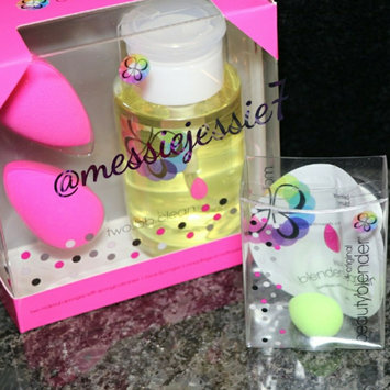 beautyblender Makeup Sponge Applicator Duo & Cleanser uploaded by Jessica R.