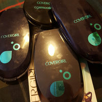 COVERGIRL Smoothers Aquasmooth Compact Foundation uploaded by Carly J.