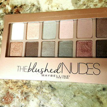 Maybelline New York Expert Wear The Blushed Nudes Shadow Palette uploaded by Anna C.