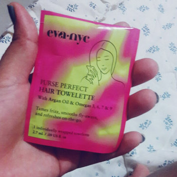 Eva NYC Purse Perfect Hair Towelettes uploaded by Daneymis P.