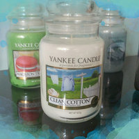 Yankee Candle Housewarmer Clean Cotton Large Classic Candle Jar uploaded by Kim C.