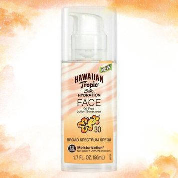 Photo of Hawaiian Tropic Silk Hydration Sunscreen Face Lotion with SPF 30 - 1. uploaded by Claudia A.
