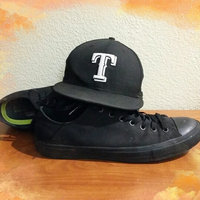 Converse Chuck Taylor All Star Sneakers - Unisex Sizing uploaded by Jeremiah f.