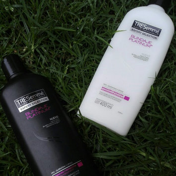 Photo of TRESemmé Smooth & Silky Conditioner uploaded by Paola G.