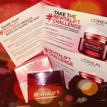 L'Oréal RevitaLift Complete Anti-Wrinkle Moisturizer Eye Cream uploaded by Karolinne g.