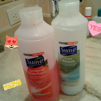 Photo of Suave® Essentials Sun Ripened Strawberry Shampoo uploaded by Ana C.