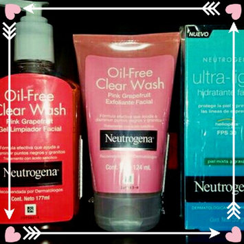 Neutrogena Oil-Free Pink Grapefruit Acne Wash Facial Cleanser uploaded by Francheska M.