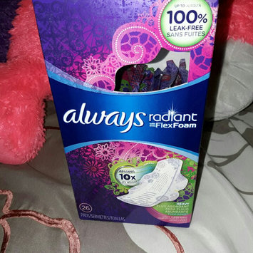 Photo of Always Radiant Heavy with Wings Scented Pads uploaded by Melissa D.