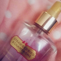 Victoria's Secret Strawberries & Champagne Mist uploaded by Aide C.