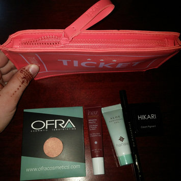 iPSY   uploaded by Priscille C.