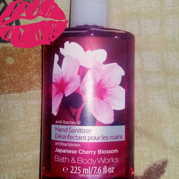 Photo of Bath & Body Works® WARM VANILLA SUGAR Gentle Foaming Hand Soap uploaded by Lissesh M.