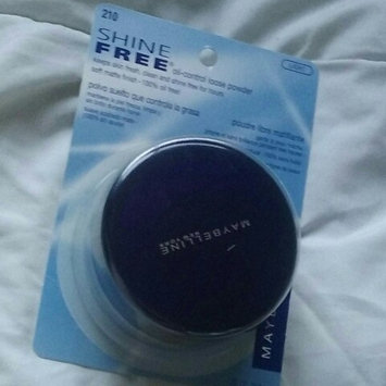 Maybelline Shine Free® Oil-Control Loose Powder uploaded by Yecenia B.