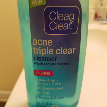 Clean & Clear ESSENTIALS Deep Cleaning Toner For Sensitive Skin uploaded by Karry K.