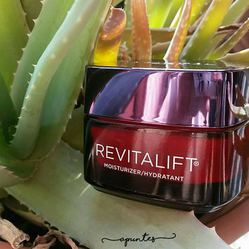 L'Oréal Paris Revitalift Triple Power Intensive Overnight Mask - 1.7 uploaded by Silvia B.